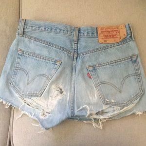 Vintage Levi's Mid-Rise Denim Shorts